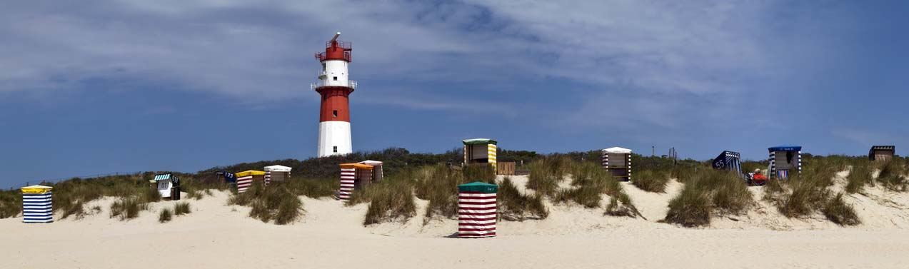 Amrum Leuchtturm mit Strandzelten