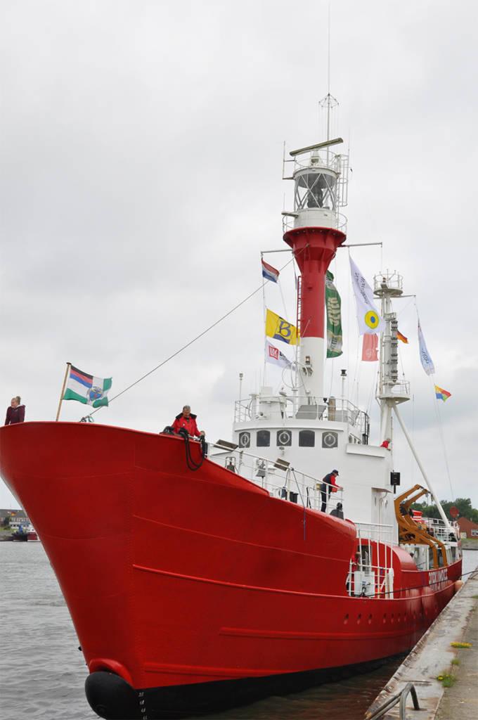 Das Feuerschiff Borkumriff kann bequem vom Anleger auf Borkum besucht werden.