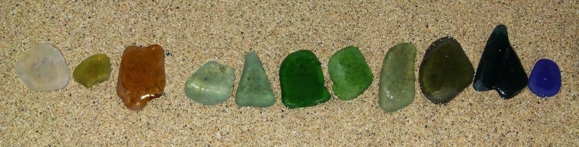 Meerglas gibt es in den unterschiedlichsten Farben