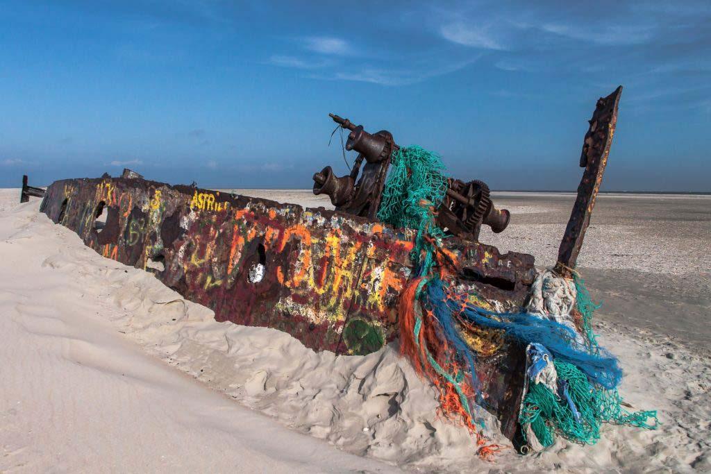 Sehenswürdigkeit Norder: Schiffswrack am östlichen Ende der ostfriesischen Insel